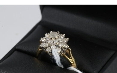 A diamond cluster 18ct gold ring, approx 1.00ct, approx. siz...