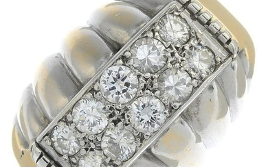 A diamond ring.Estimated total diamond weight 0.90ct