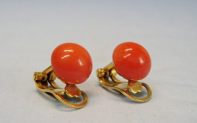 CORAL EAR CLIPS ANTIQUE 18 CARAT YELLOW GOLD SARDEGNA CORAL.