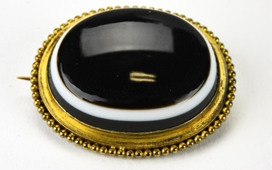 Large Victorian Agate and 14k Gold Brooch