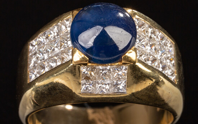 Ring of 750 gold with sapphire and brilliant cut diamonds