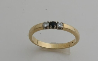 Yellow gold row ring, 585/000, with sapphire and