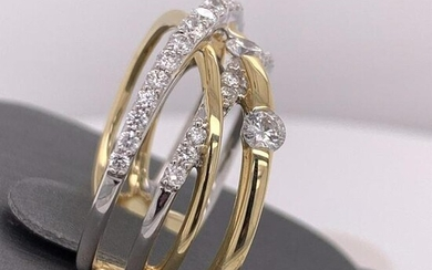 14Kt Gold. 0.98Ct Natural Diamonds Ring