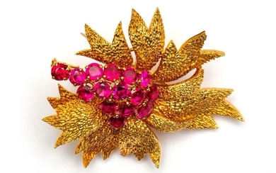 18krt. Gold brooch, with organic structure and set...