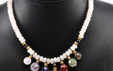A FACETED ROSE QUARTZ, AMETHYST AND CITRINE NECKLACE, CLASP IN GILT METAL, TOTAL LENGTH 410MM