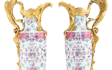 A Pair of Samson Gilt Bronze-Mounted Porcelain Ewers (late 19th-early 20th century)