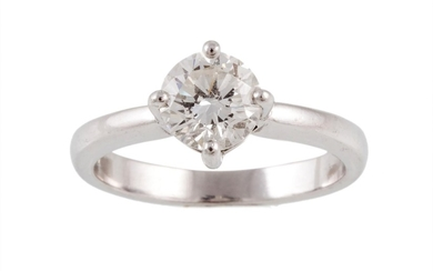 A SOLITAIRE DIAMOND RING, with round brilliant cut diamond o...