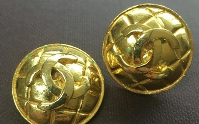 Authentic Chanel 80's Jumbo Clip On Ear Rings