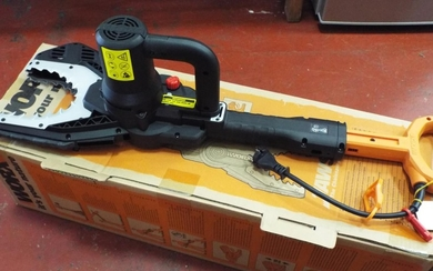 Boxed and unused Worx jaw saw/lopper. Mains cable and oil pr...