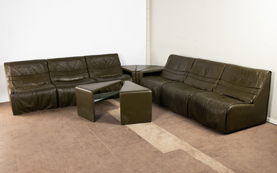 De Sede, lounge sofa / modular sofa system and five side tables, model 'DS-500', leather and glass, Switzerland, 1970s (11)