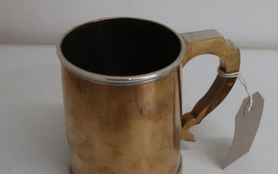 """Early 20th C silver plated pint tankard, engraved on base """"H..."""