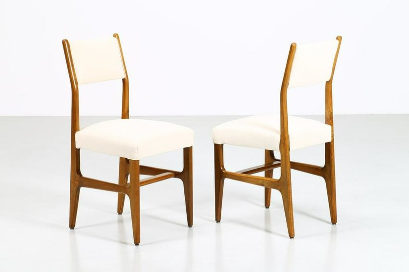 GIO' PONTI Attributed Pair of chairs.