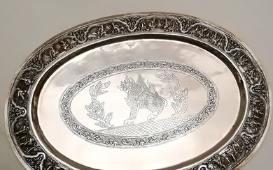 Magnificent Finely Chiseled Plate - Silver - Burma - Early 20th century