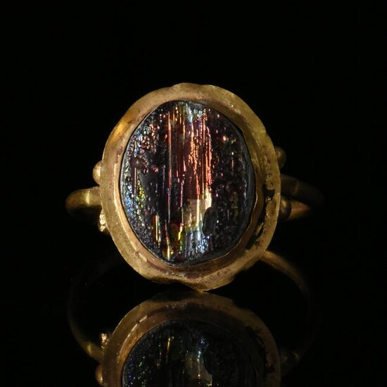 ROMAN GOLD RING WITH GLASS INLAY