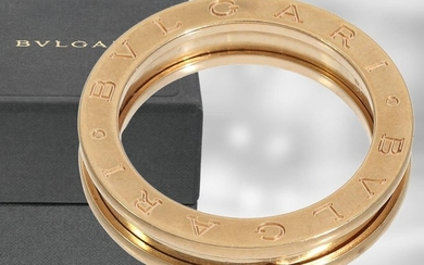Ring: Bvlgari, rose gold ring B.zero1 in original...