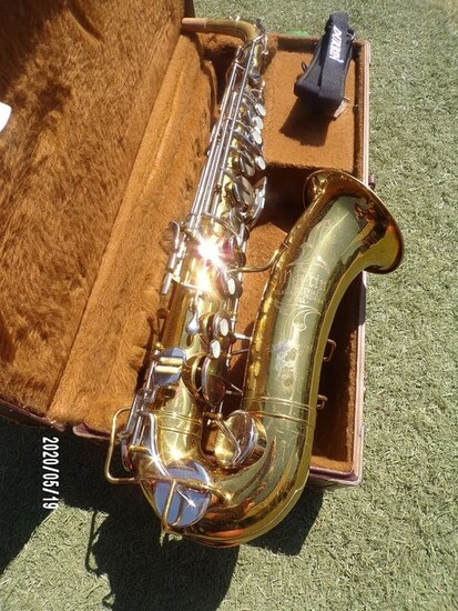 Serial number location saxophone Buffet Serial