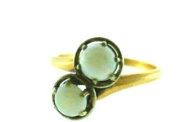 VINTAGE 14k Yellow Gold Opal Bypass Ring