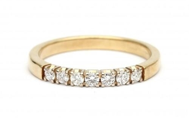 A 14 carat gold diamond half eternity ring. Featuring seven brilliant cut diamonds of ca. 0.35 ct. in total, ca. H-I,ca. VS set in white gold. Gross weight: 3.6 g.