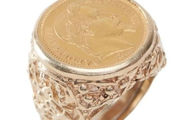 A GOLD COIN RING