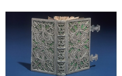A SILVER FILIGREE BOOK BINDING, PROBABLY DUTCH, LATE 18TH / EARLY 19TH CENTURY