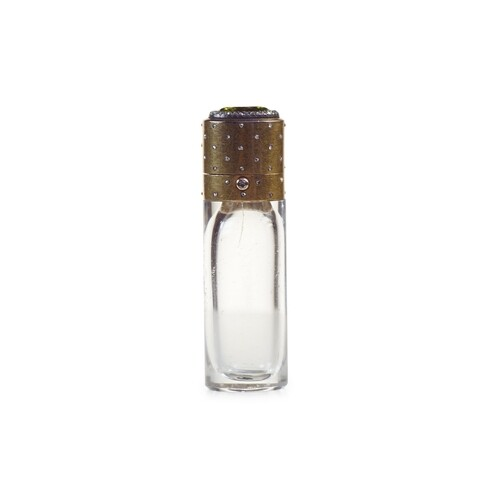 A Fine Gold Diamond and Peridot Scent Bottle - French in 18c...