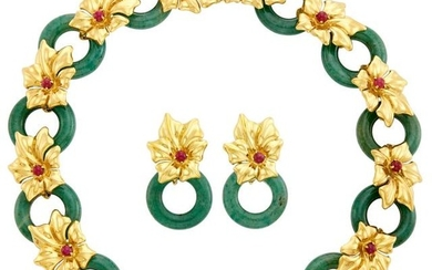 Gold, Cabochon Ruby and Aventurine Quartz Link Necklace and Pair of Pendant Hoop Earrings