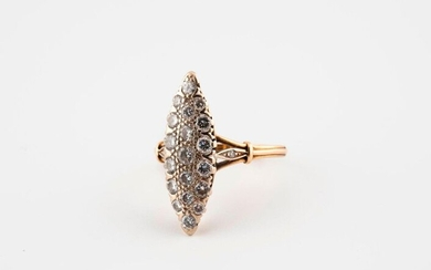 Marquise ring in yellow gold (750) set with brilliant-cut diamonds.