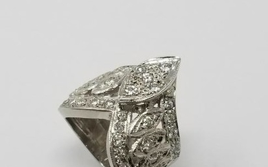 Vintage 14K White Gold & Diamond Ring