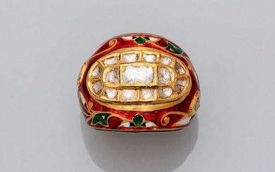 """Yellow gold """"ball"""" ring, 750 MM, decorated with a floral decoration in polychrome enamel enriched with diamonds, Indian work, size: 57, weight: 14.4gr. rough."""