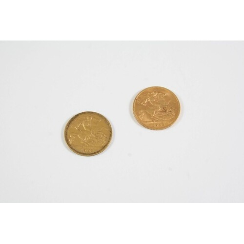 AN EDWARD VII GOLD HALF SOVEREIGN 1909 and a George V gold h...