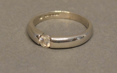 An 18 Carat White Gold Solitaire Diamond Ring set with singl...