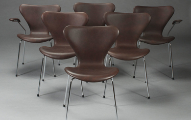 Arne Jacobsen. 'Series 7' dining chairs as well as two armchairs, reupholstered (6)