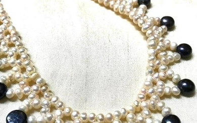 Black & White Freshwater Pearl Collar Necklace
