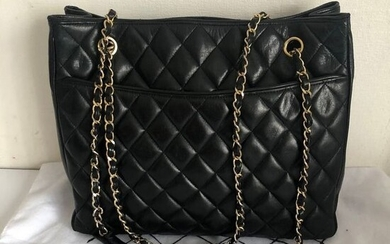 Chanel - soft quilted lamb leather Tote / shopper bag