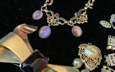 Group Lot Vintage Jewelry Collectibles pieces